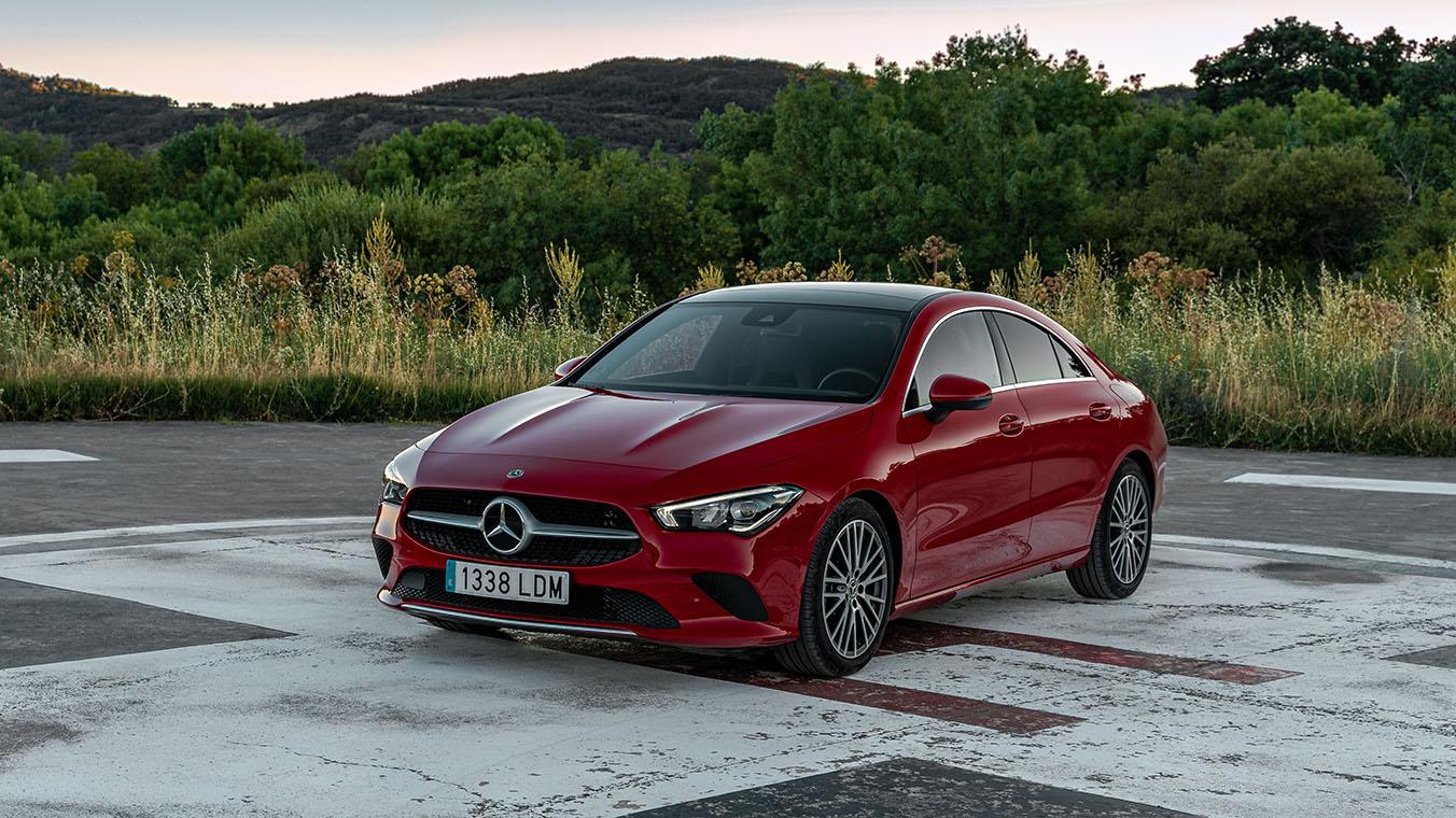 Mercedes CLA rojo