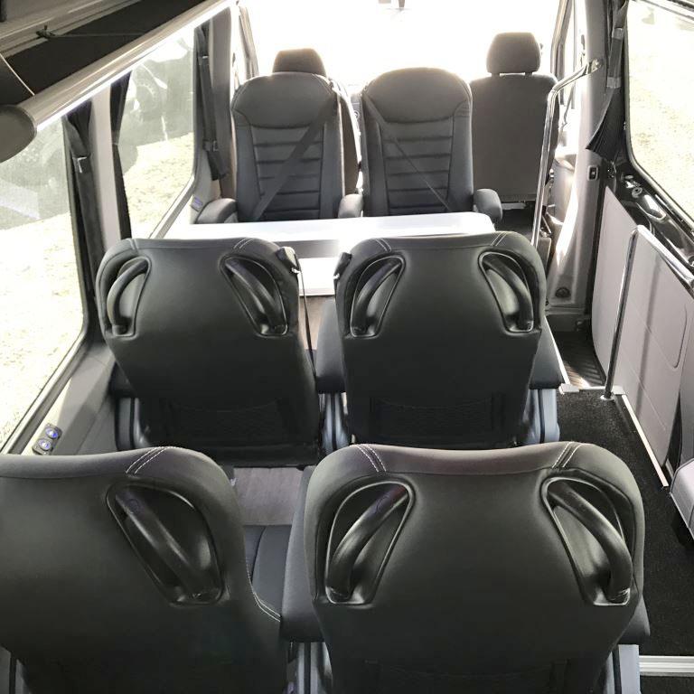 Microbús VIP mesa