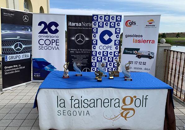 mesa regalos x torneo golf segovia cope 2021 faisanera